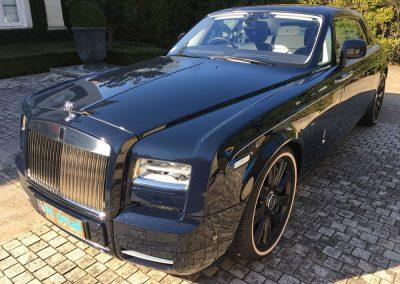 rolls royce car and clean
